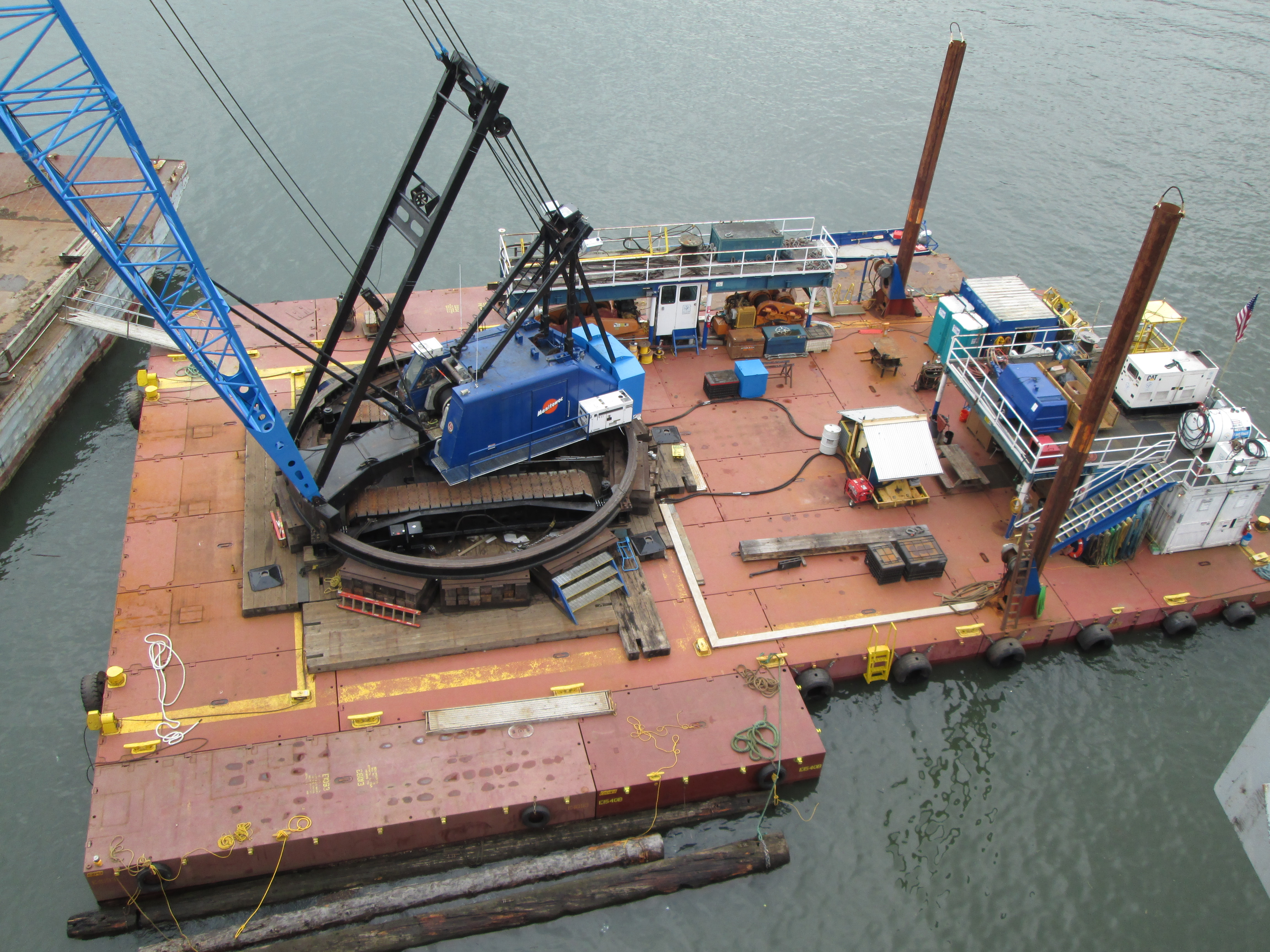Derrick Barges, Work Barges & Tugs